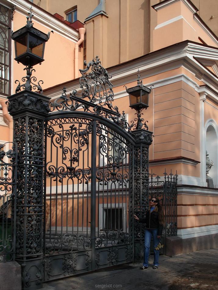 Фурштадская, 58, Ворота.