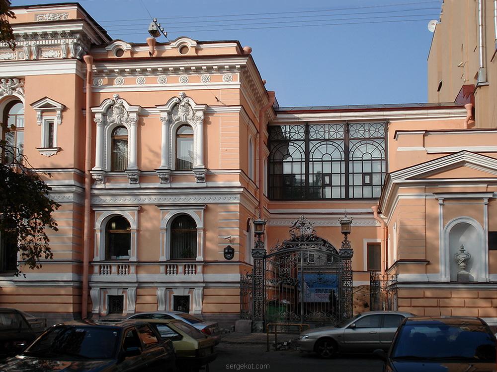 Фурштадская, 58, Зимний сад, вид снаружи.