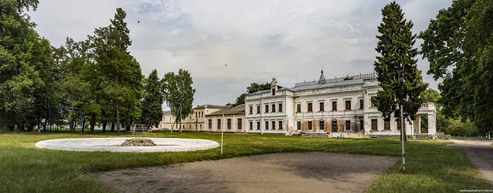 Андрушевка, парковый фасад..