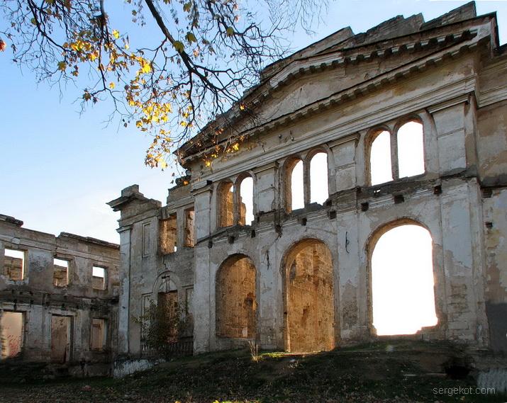 Васильевка, фасад