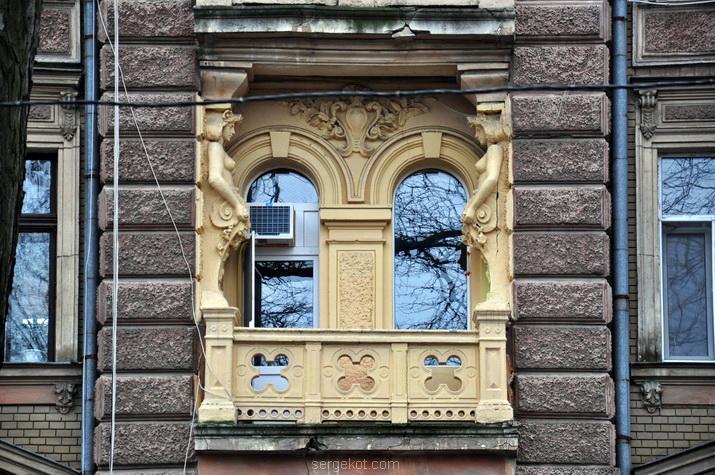 Балкон, фасад.