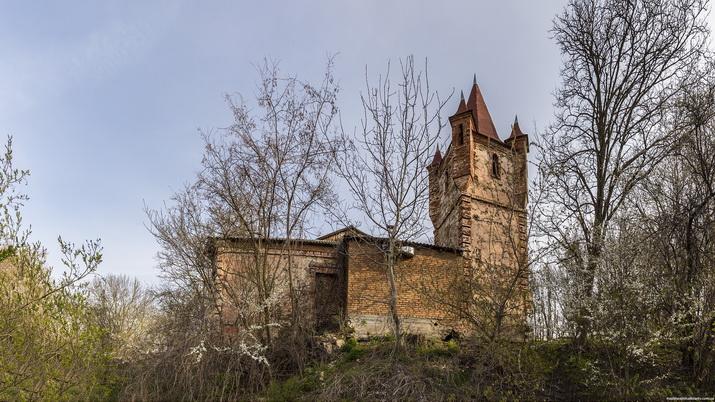 Сутиски. Имение Гейденов. Оставшаяся часть дворца.
