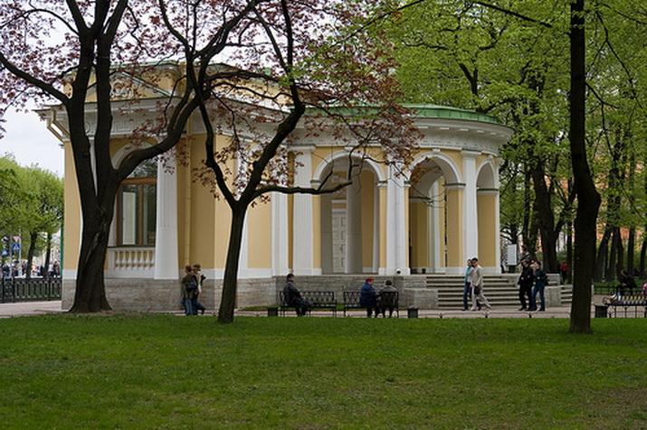павильон-пристань в Михайловском саду - арх. К. Росси, 1825