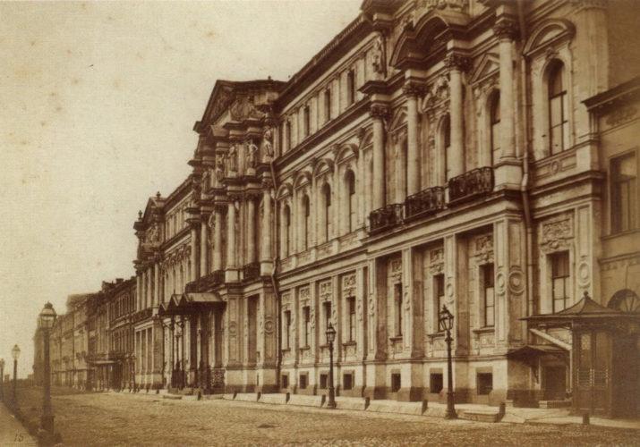 Неизвестный автор, Дворец на Дворцовой набережной,1880-е, отпечаток на альбуминовой бумаге