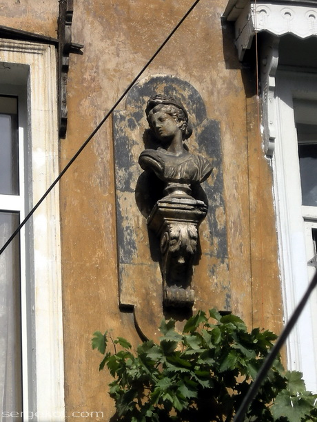 Софиевская 21, детали фасада.