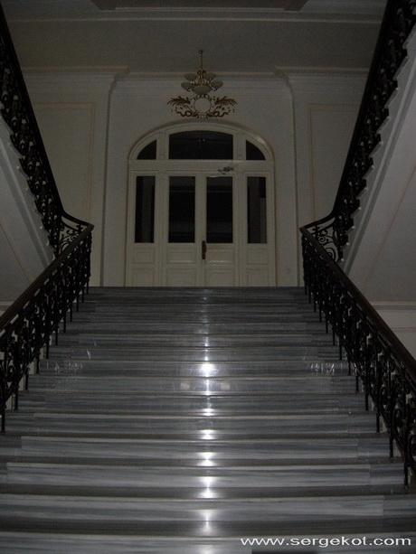 Кадетский корпус, парадная лестница.