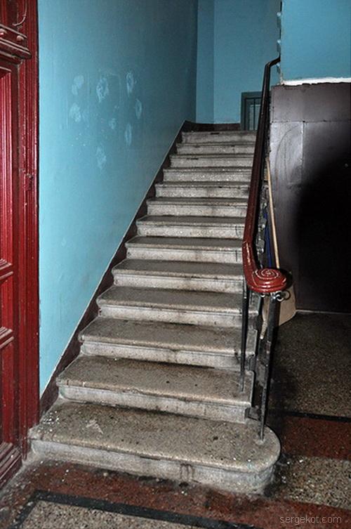 Нежинская 30, дом Щербакова, лестница.
