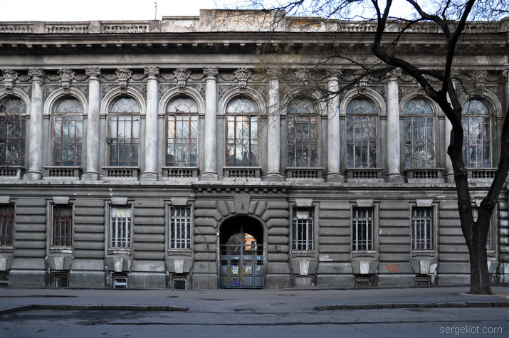 Бессарабско-Таврический Земельгый банк в Одессе.. Главный фасад.