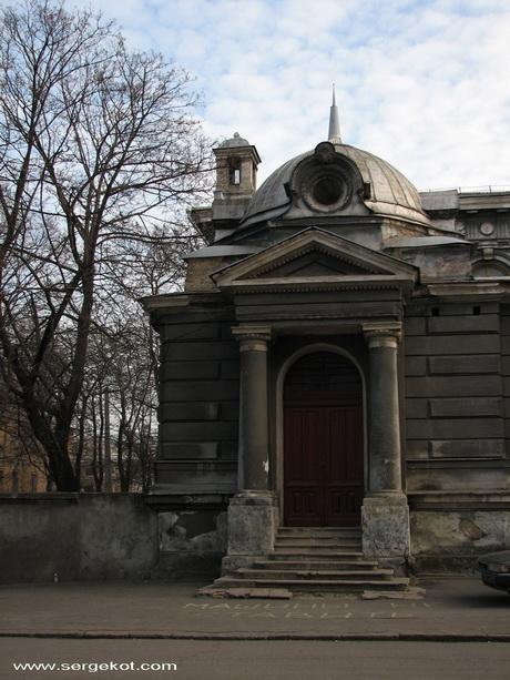 Валиховский переулок 3,  УГЛОВОЙ ДОМ.