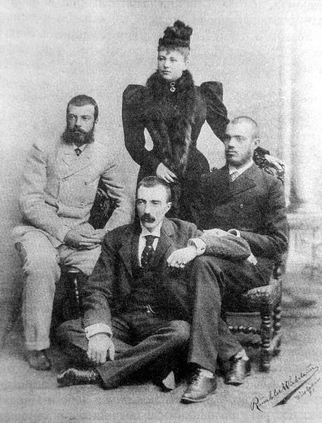 Великий Князь Михаил Михайлович (в центре) с женой Софией Николаевной и братьями (слева направо) - Великими Князьями Александром и Сергеем Михайловичами. 1892 год.