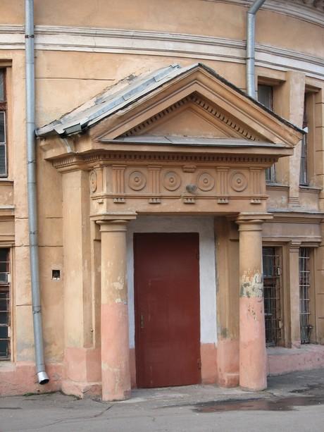 Валиховский переулок 5. Внутренний двор, Ризалит.