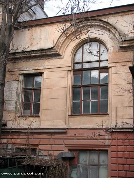 Валиховский переулок 5. Внутренний двор.