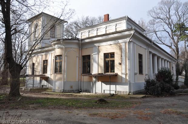 Французский бульвар, 48. Дача Мартыновой.