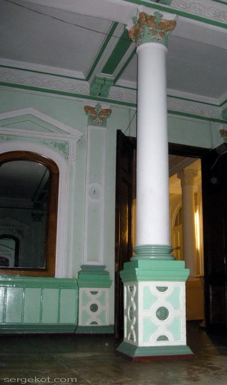 Одесса, Пушкинская 4, Второй этаж.