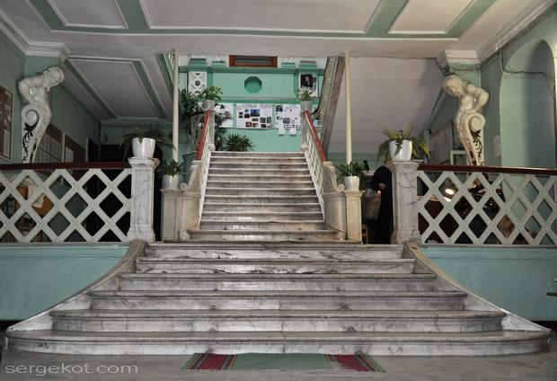Одесса, Пушкинская 4, дом Маразли. Парадная лестница.