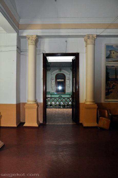 Одесса, Пушкинская 4. дом Маразли. Второй этаж.
