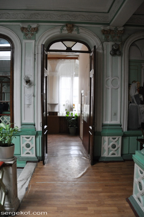 Одесса. Пушкинская 4, дом Маразли, Второй этаж.