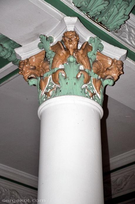 Одесса. Пушкинская 4, дом Маразли, Второй этаж,капитель.