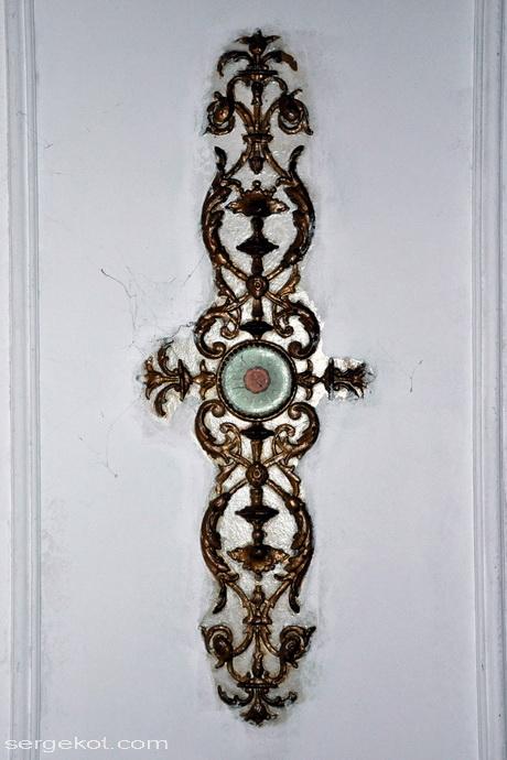 Одесса, Пушкинская 4, дом Маразли.Потолок в вестибюле.