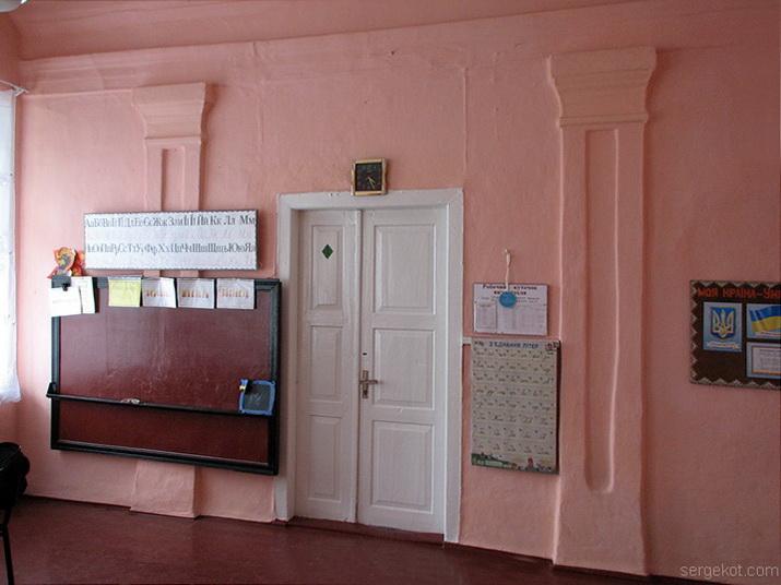 Соколовка. Часть сохранившегося интерьера усадьбы Бжозовских.