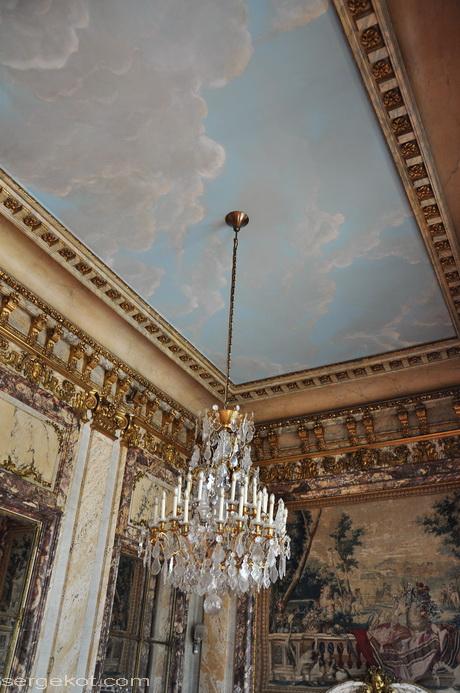 Paris. 25 Avenue Friedland. L'hôtel Potocki. Salle de marbre.