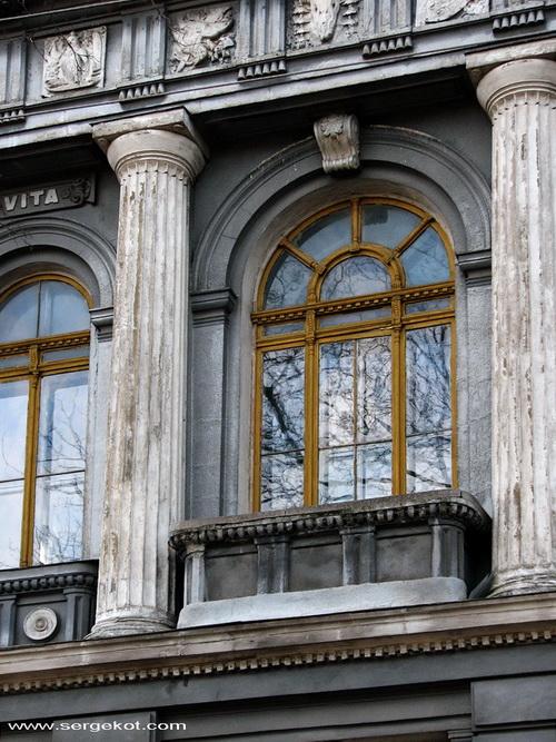 Валиховский переулок, 3. Окно. фасада