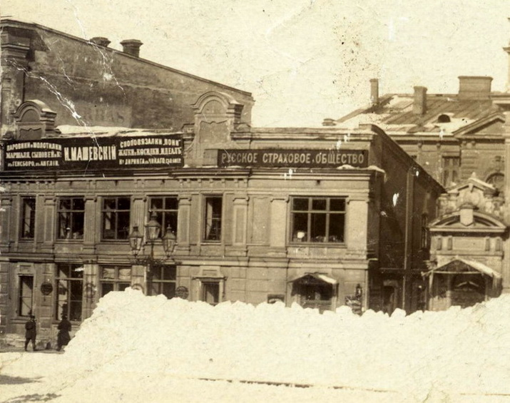 Екатериненская площадь, старый дом Жданова1