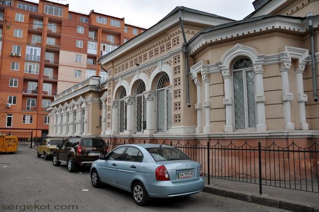 Одесса, Книжный переулок. Библиотека Маразли. Другой боковой фасад.