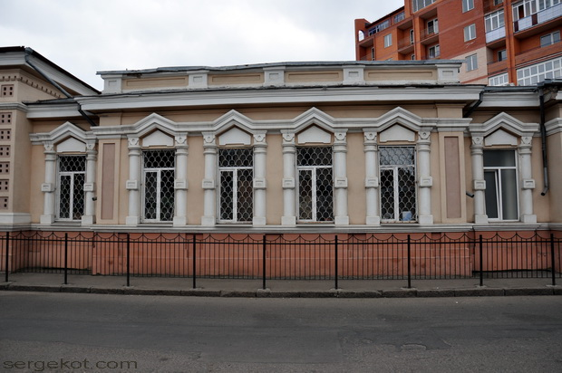 Одесса, Книжный переулок. Библиотека Маразли. Ризалит.