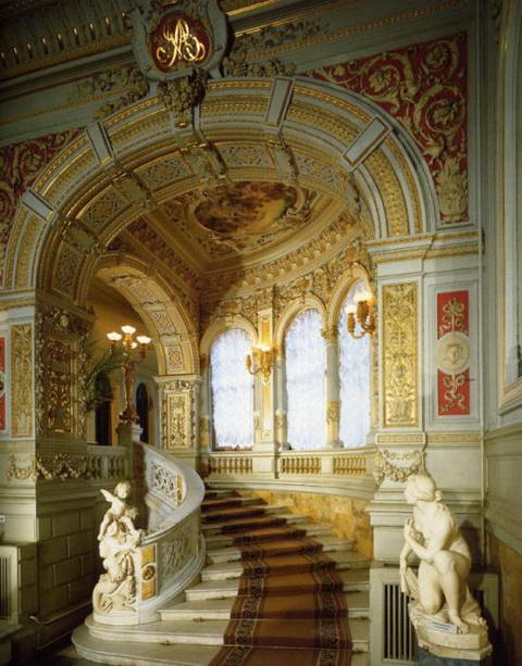 Владимирский дворец, Парадная лестница