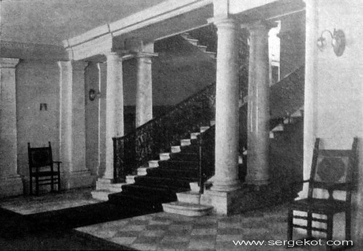 Итальянское посольство. Лестница