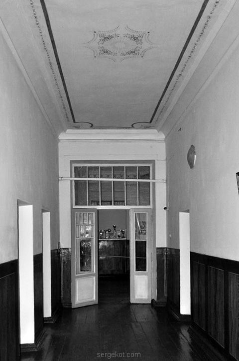 Дворец, Исаево, Курис, коридор