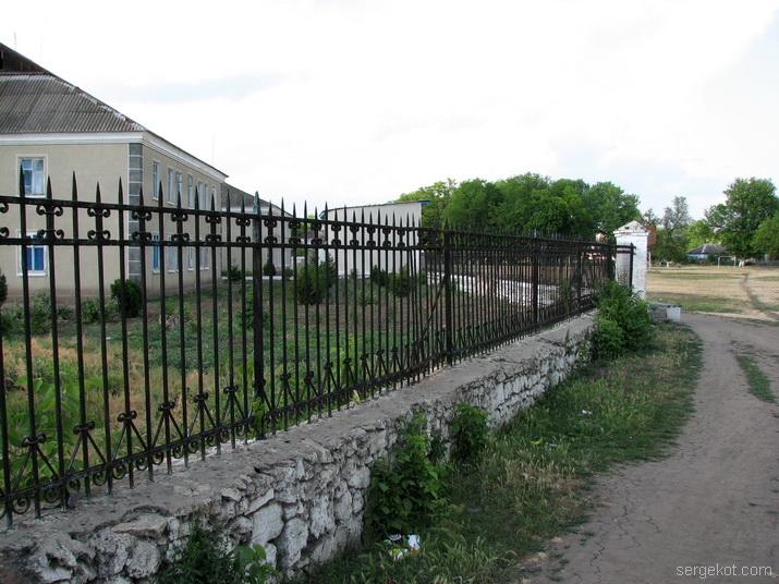 ограда, забор, решетка, Исаево, Курис,