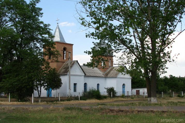 Церковь в Исаево,  2007.