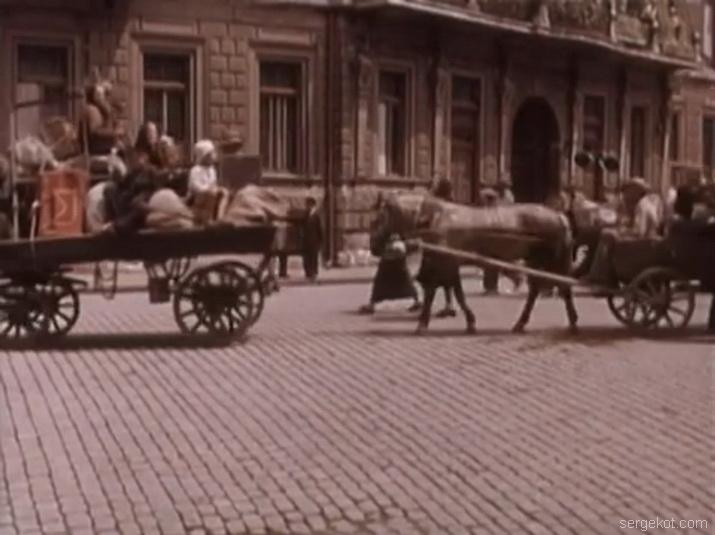 Кадры из фильма Поэт 1956 года. Екатериненская площадь.
