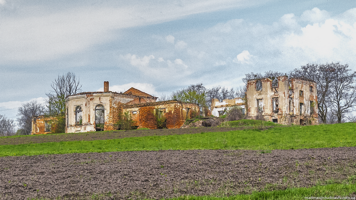 Андрушевка, фасад,. 2015.