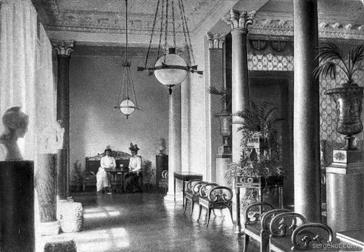 Александрия. Монарший павильон. Колонный зал.