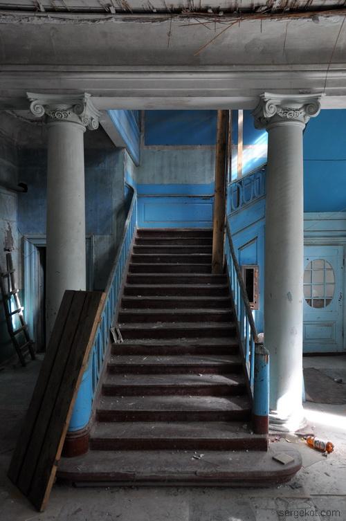 Тальное.-Усадьба-Шуваловых. Главная лестница