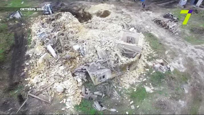 дача Тимио до и во время сноса (февраль 2015 г. и октябрь 2016 г.), снятая гидрокоптером (репортаж 7канала-2