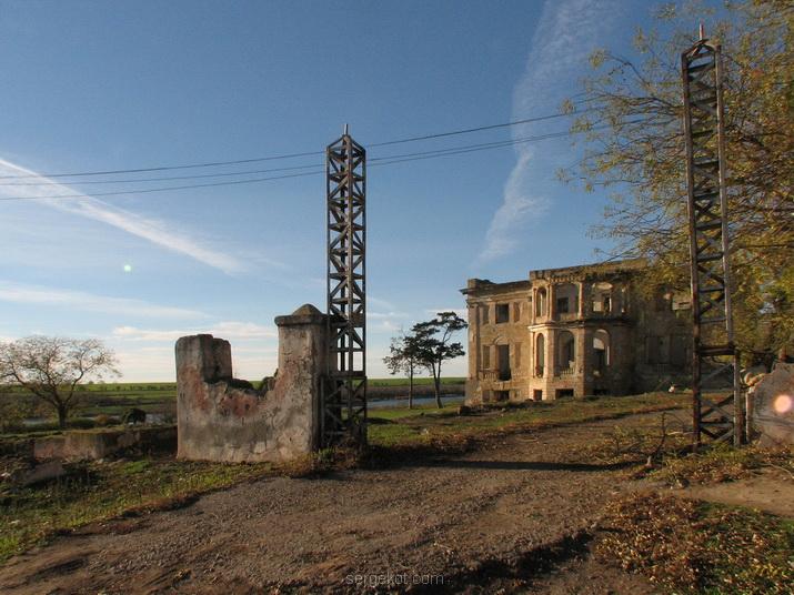 Васильевка. Ворота,. 2007